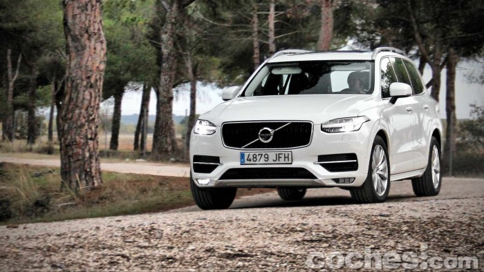 Volvo_XC90_D5_AWD_054