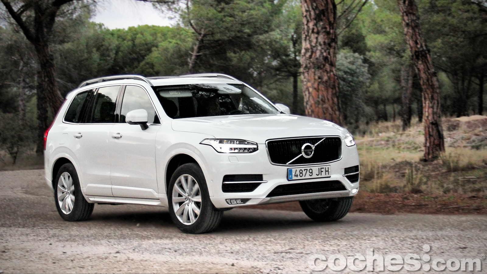 Volvo_XC90_D5_AWD_057