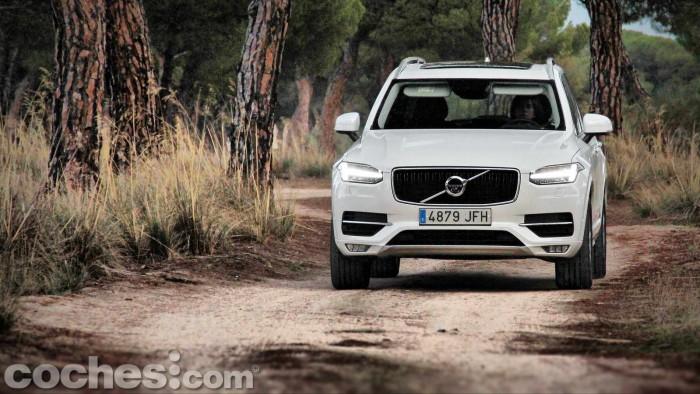 Volvo_XC90_D5_AWD_059