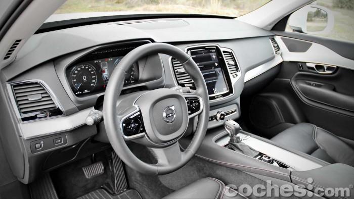 Volvo_XC90_D5_AWD_070