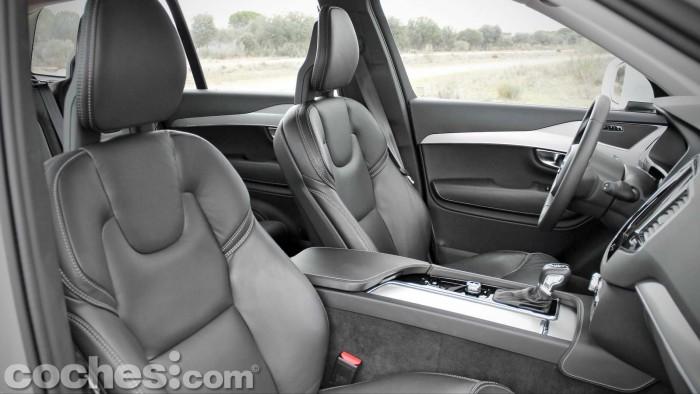 Volvo_XC90_D5_AWD_073