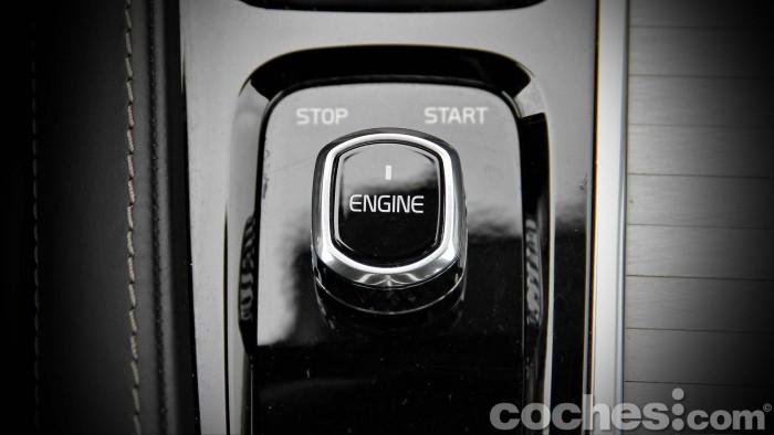 Volvo_XC90_D5_AWD_087