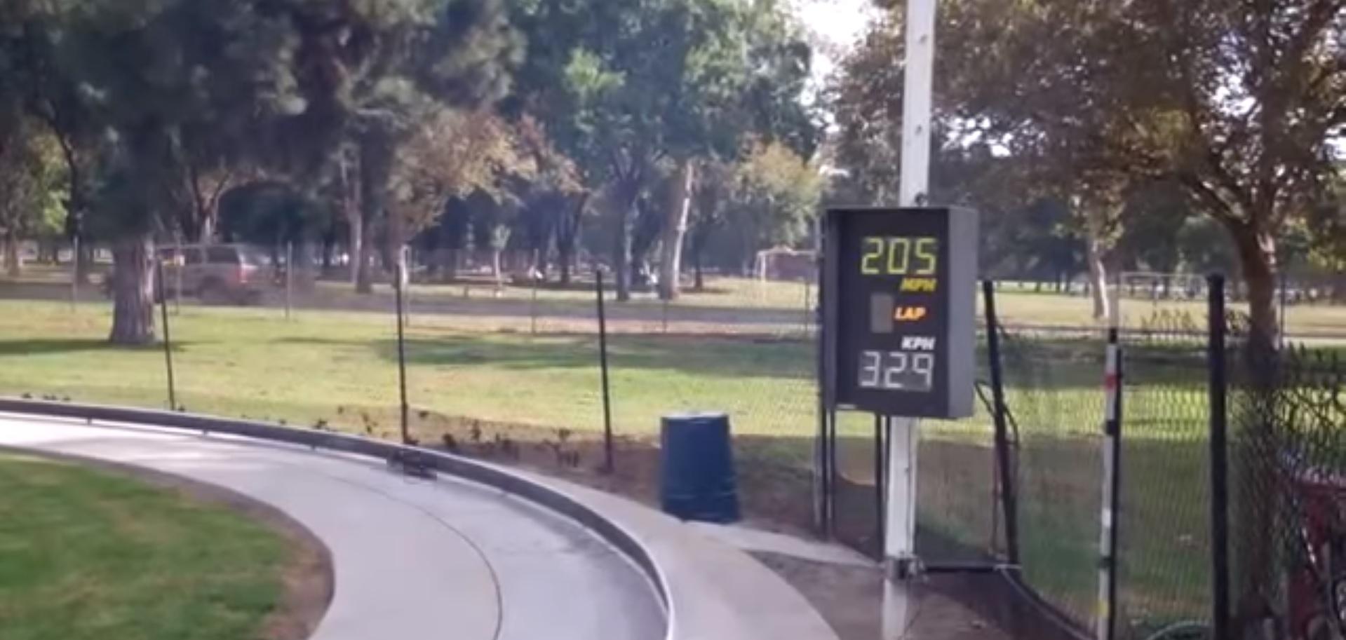 coche de juguete velocidad