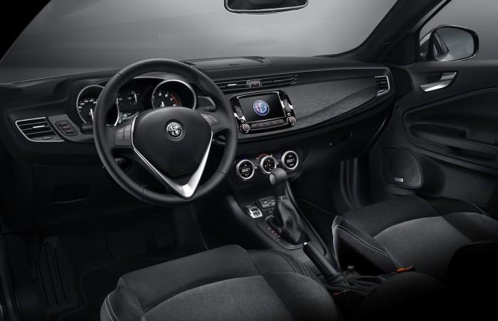 Alfa Romeo Giulietta 2016 interior 1