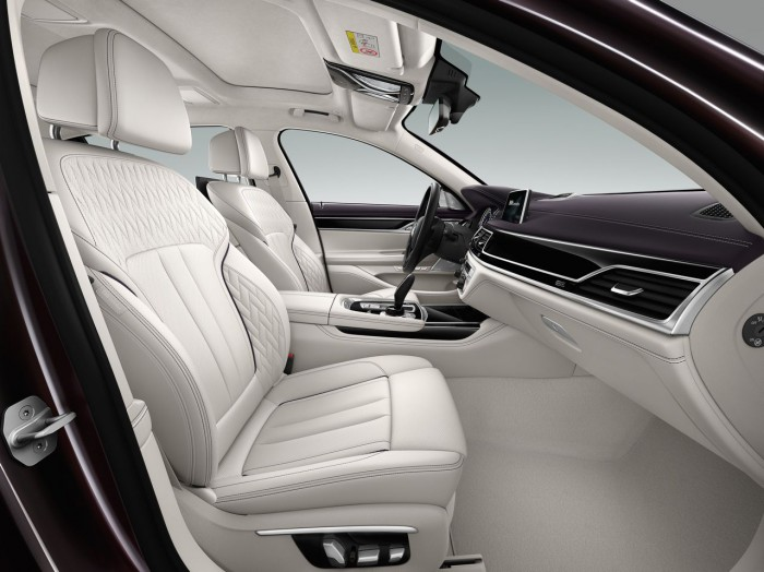 BMW M760Li xDrive V12 Excellence 2016 interior 3