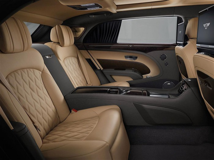 Bentley Mulsanne 2016 interior 02