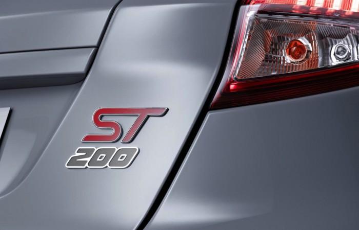 Ford Fiesta ST200 2016 04