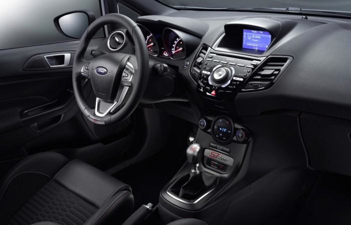 Ford Fiesta ST200 2016 interior 04