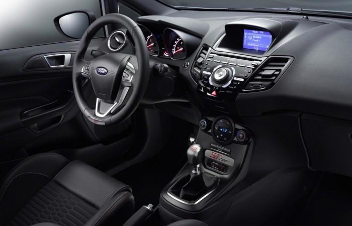 Ford Fiesta ST200 2016 interior 04