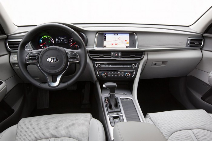 Kia Optima Plug-in Hybrid 2017 interior 03