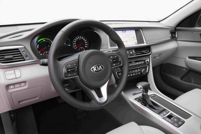 Kia Optima Plug-in Hybrid 2017 interior