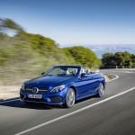 Mercedes-Benz C 400 4MATIC Cabriolet, Exterieur: Brilliantblau AMG Line; Interieur: kristallgrauKraftstoffverbrauch (l/100 km) innerorts/außerorts/kombiniert:  10,9/6,3/8,0CO2-Emissionen kombiniert: 181 g/kmExterior: brilliant blue AMG Line; interior: crystal GreyFuel consumption (l/100 km) urban/ex urban/combined:   10.9/6.3/8.0combined CO2 emissions:  181 g/km