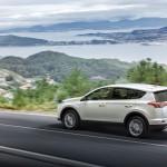 Toyota RAV4 Hybrid 2016 13