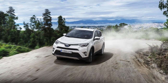 Toyota RAV4 Hybrid 2016 14