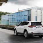 Toyota RAV4 Hybrid 2016 17