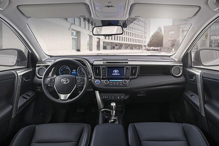 Toyota RAV4 Hybrid 2016 interior 1