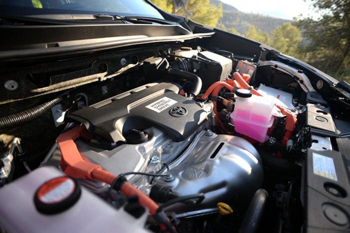 Toyota RAV4 Hybrid 2016 motor  2