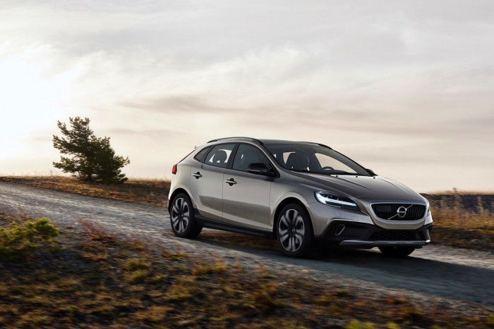Volvo V40 T5 AWD Cross Country Location 3/4 Front