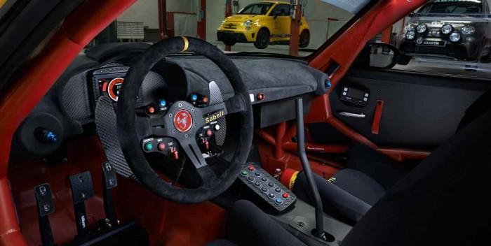 Abarth 124 Spider rally 2017 interior