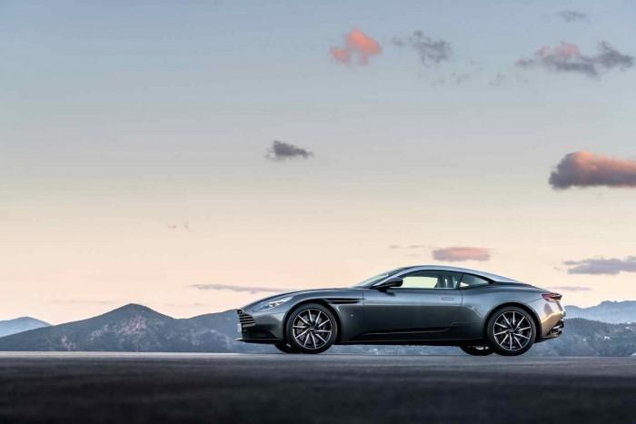 Aston Martin DB11 2016 01
