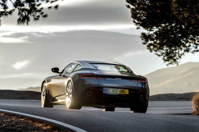 Aston Martin DB11 2016 17