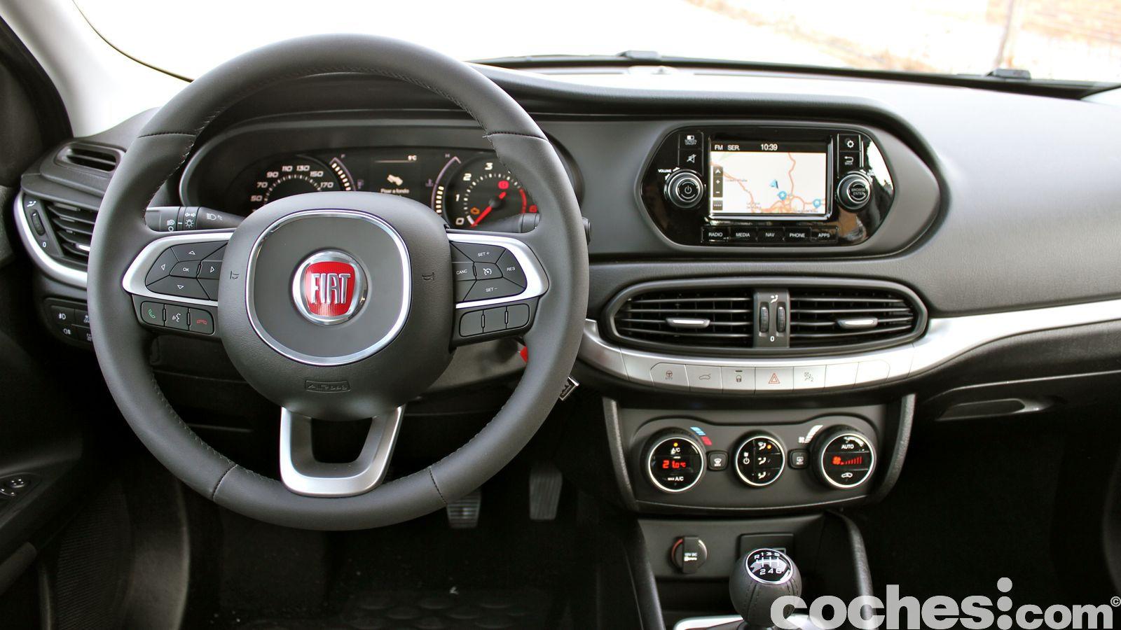 A Prueba Fiat Tipo 2016 La Berlina Que Da Mucho Por Poco
