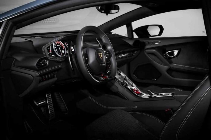 Lamborghini Huracan Avio 2016 interior