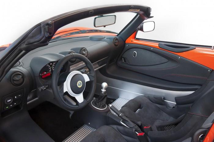 Lotus Elise Cup 250 2016 interior