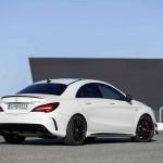 Mercedes-AMG CLA 45  Coupé; C117; 2016Exterieur: Diamantweiß, AMG Aerodynamic-Paket; Interieur: Schwarz, Performance Sitze;Kraftstoffverbrauch (l/100 km) innerorts/außerorts/kombiniert:  9,2/5,6/6,9CO2-Emissionen kombiniert: 162 g/kmExterior: diamond white, AMG Aerodynamics package; interior: black, performance seats;Fuel consumption (l/100 km) urban/exurban/combined:   9.2/5.6/6.9combined CO2 emissions:  162 g/km