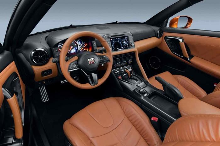 Nissan GT-R 2017 interior 4