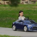 Tesla Model S de juguete 12