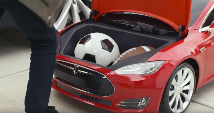 Tesla Model S de juguete 13