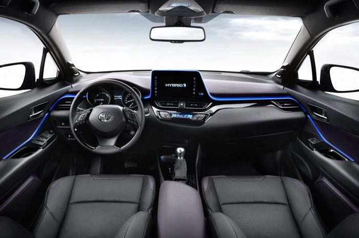 toyota-c-hr-2017-interior-9