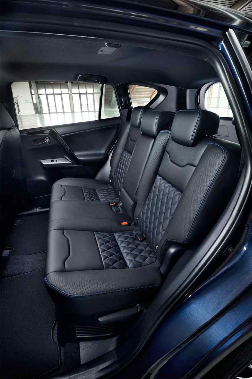 Toyota Rav4 Hybrid Sapphire Oteando El Terreno Lexus