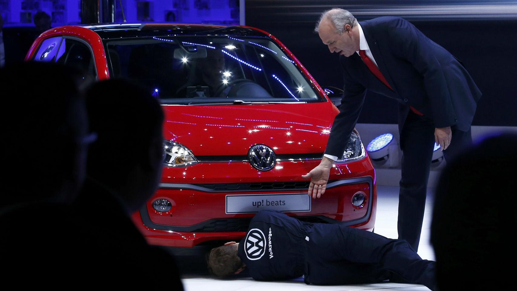 boicot presentación del nuevo up! de Volkswagen en salón automóvil Ginebra 2016