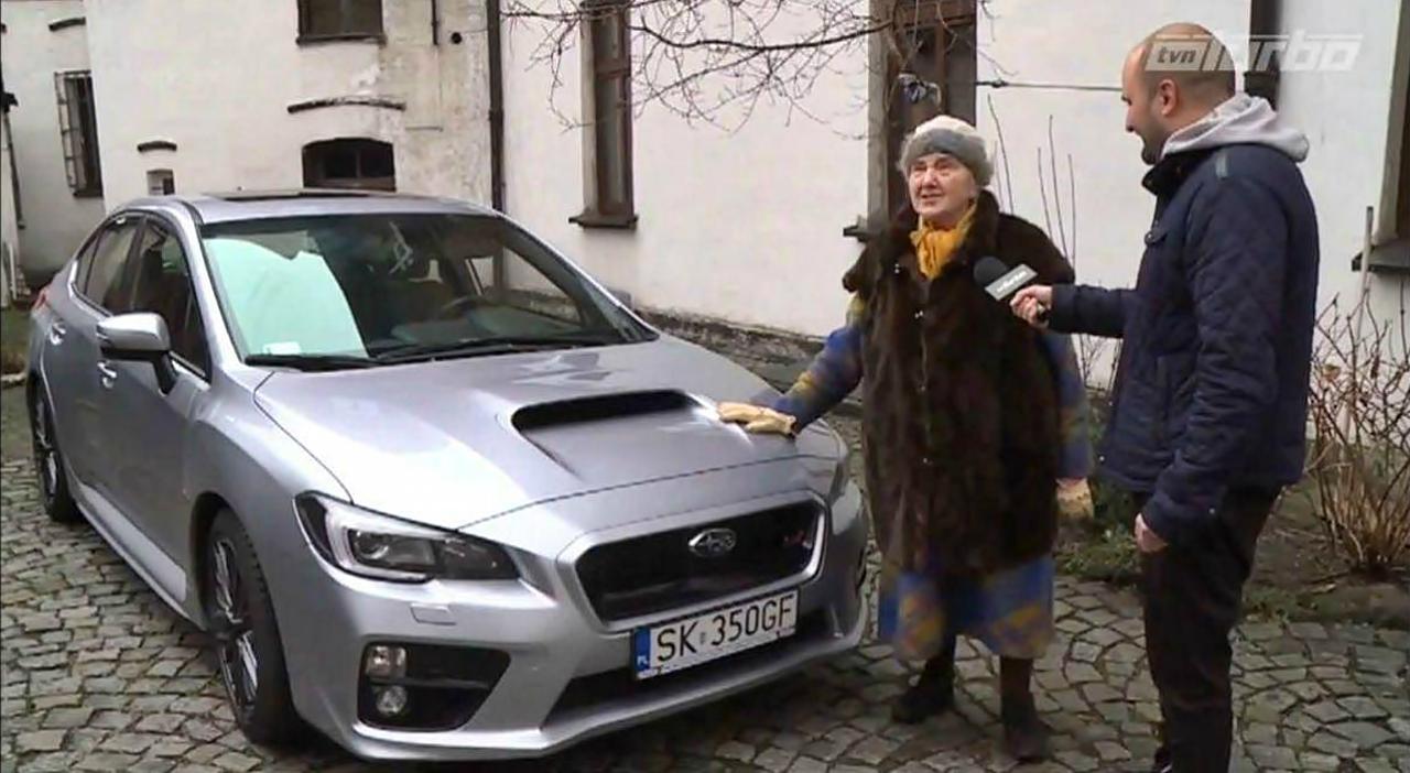 polaca de 81 años cuyo vehiculo es un Subaru WRX STI