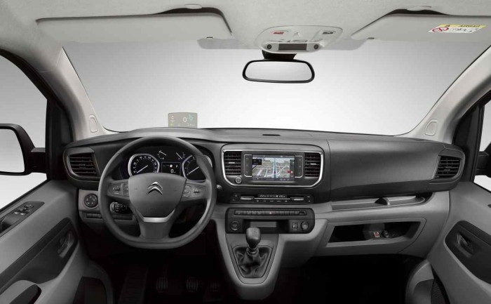 Citroen Jumpy 2016 interior 1