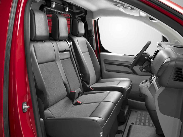 Citroen Jumpy 2016 interior 7