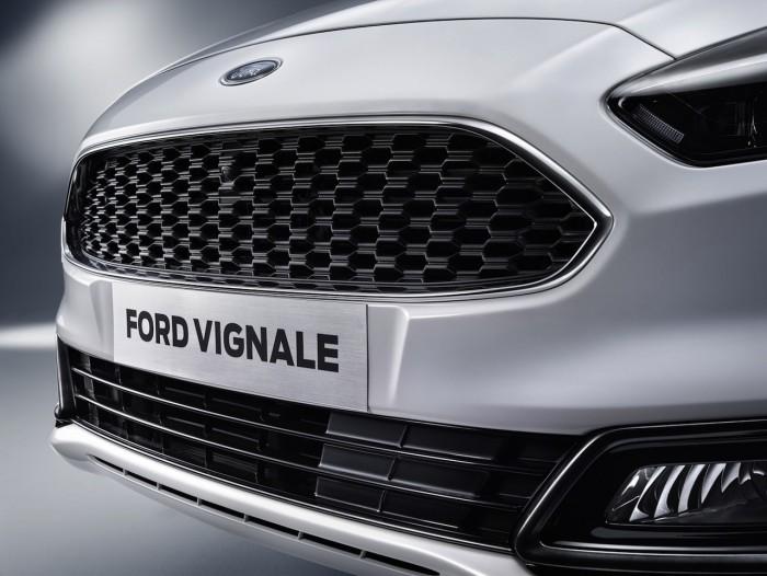 Ford S-MAX Vignale 2016 04
