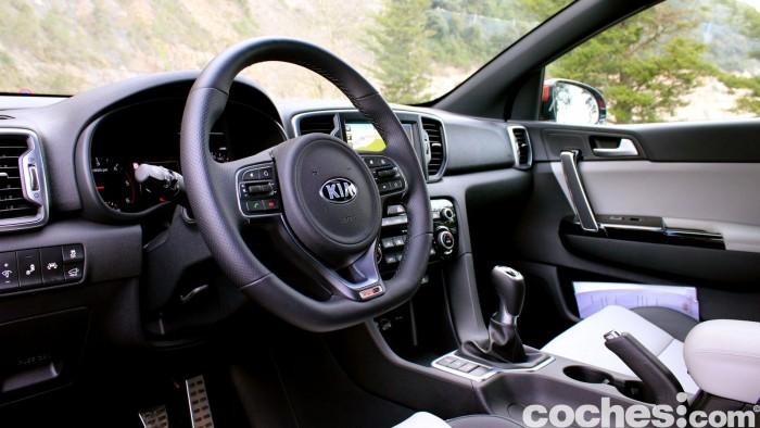 Kia Sportage 2.0 DRDi GT Line 4x4 2016 prueba interior 1
