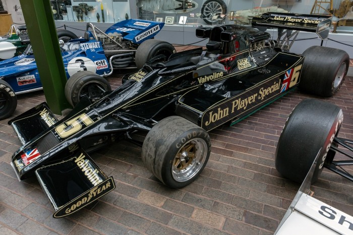 Lotus_78_front-left2_National_Motor_Museum,_Beaulieu