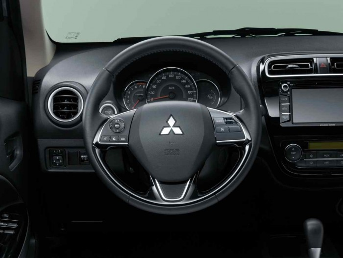 Mitsubishi Space Star 2016 interior 3