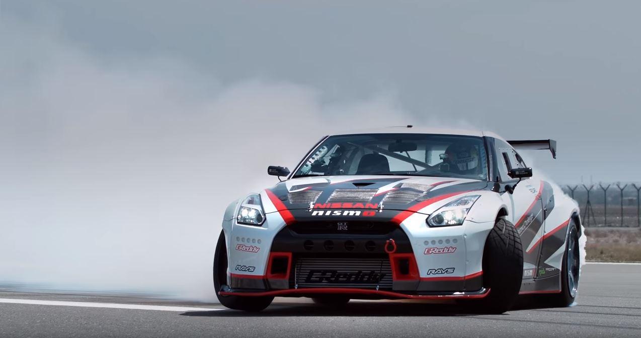 Nissan GT-R guinness record en derrape