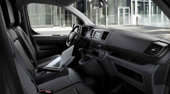 Peugeot Expert 2016 interior 2