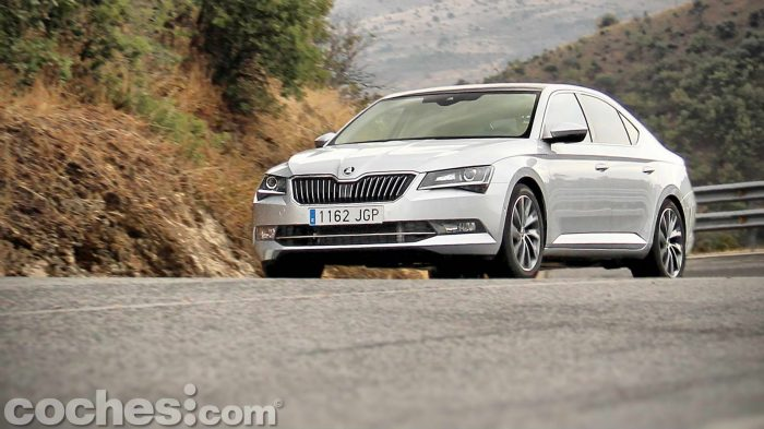 Skoda_Superb_2.0TDI_ Laurin&Klement_006