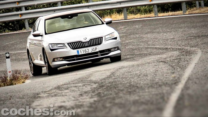 Skoda_Superb_2.0TDI_ Laurin&Klement_012