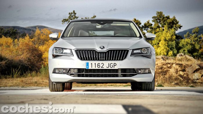 Skoda_Superb_2.0TDI_ Laurin&Klement_017
