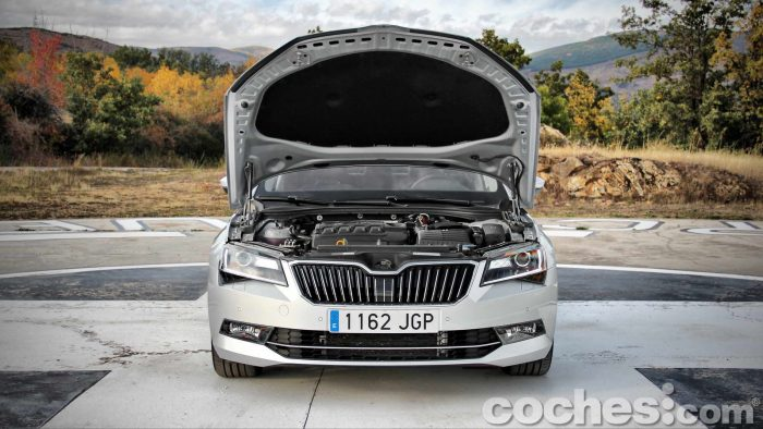 Skoda_Superb_2.0TDI_ Laurin&Klement_031