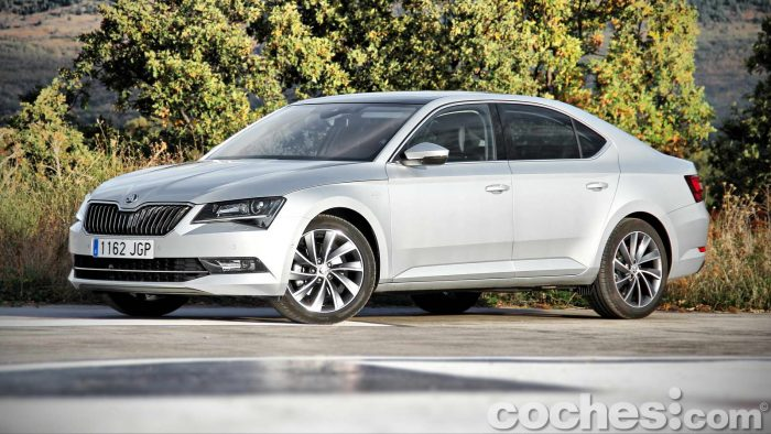 Skoda_Superb_2.0TDI_ Laurin&Klement_054