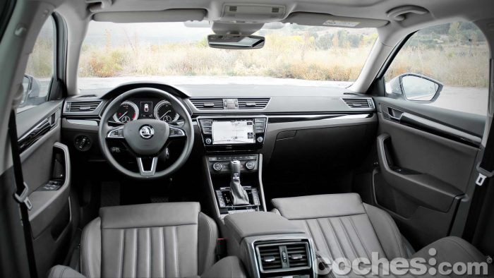 Skoda_Superb_2.0TDI_ Laurin&Klement_064